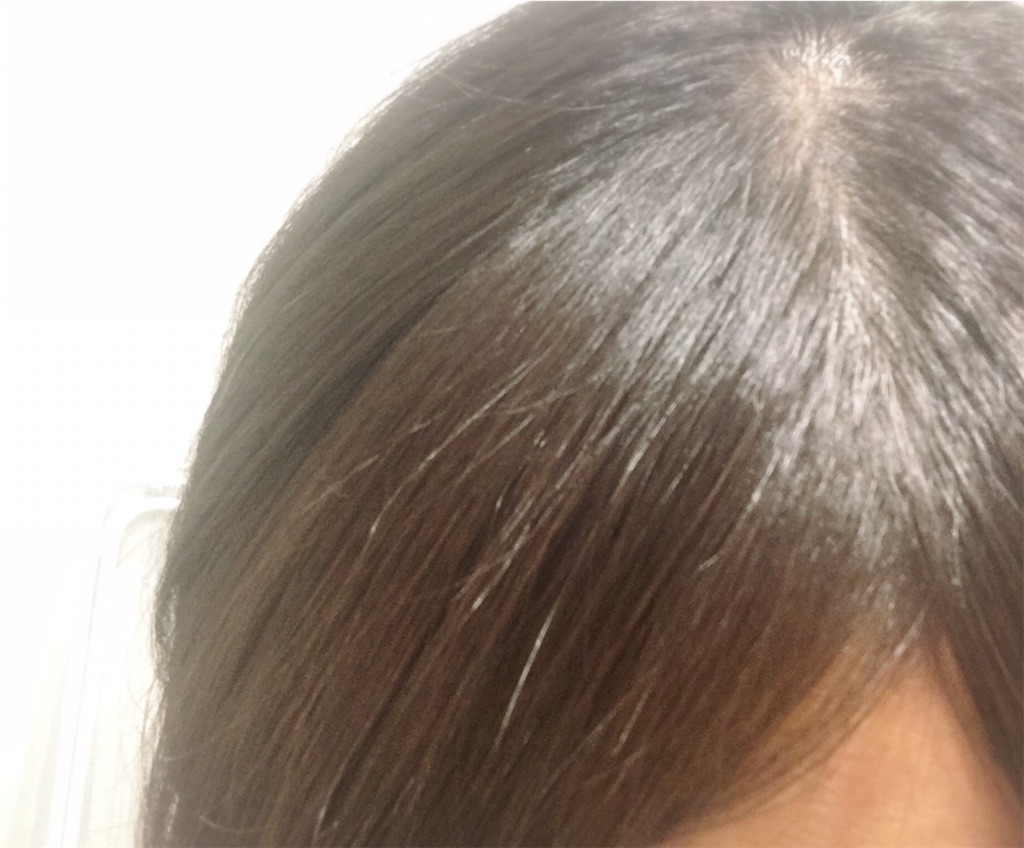 mogansのシャンプーとトリートメントを使った後の髪(指通りが滑らか)
